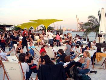 На семинары немецкие фрилансеры ездят за свой счет, но вечер в пляжном клубе Lago Bay Beach Club оплатили организаторы